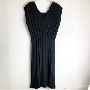 Vintage Wool Pleated Sleeveless Sweater Dress L